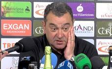 El técnico verdiblanco respira tras los dos puntos conseguidos en Villaviciosa