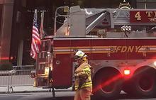 Un muerto y cuatro heridos leves en el incendio de la Torre Trump