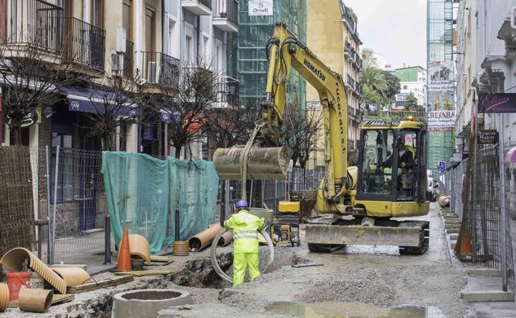 Prosiguen los trabajos en la calle Peña Herbosa