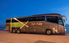 Agatha Ruiz de la Prada diseña un autobús para los cántabros NR Ruiz