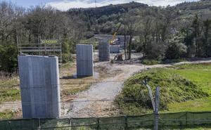Alfoz de Lloredo espera la apertura del nuevo puente de Golbardo