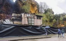 Sale a información pública la reconstrucción de la caseta de las jirafas que se quemó en Cabárceno