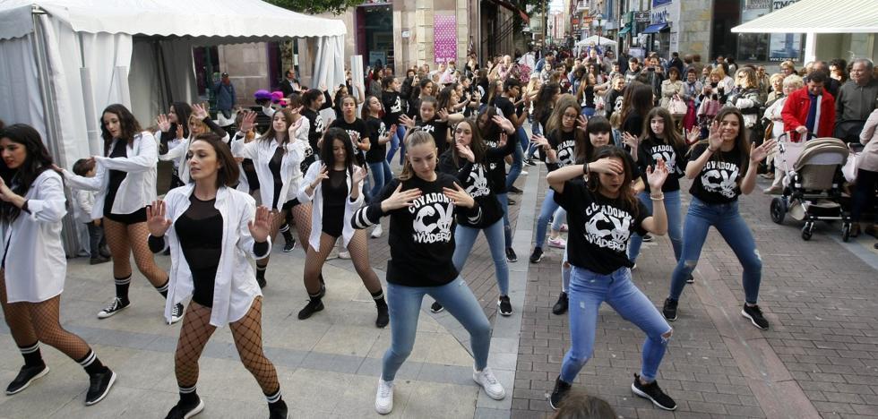 El comercio se echa de nuevo a la calle con 'Torrelavega de moda'