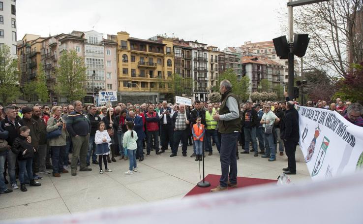 Los cazadores cántabros se manifiestan en Santander