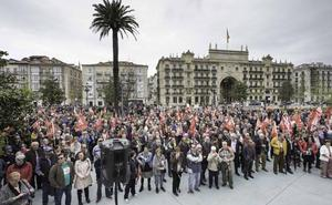 Miles de personas reclaman en Santander pensiones «dignas»