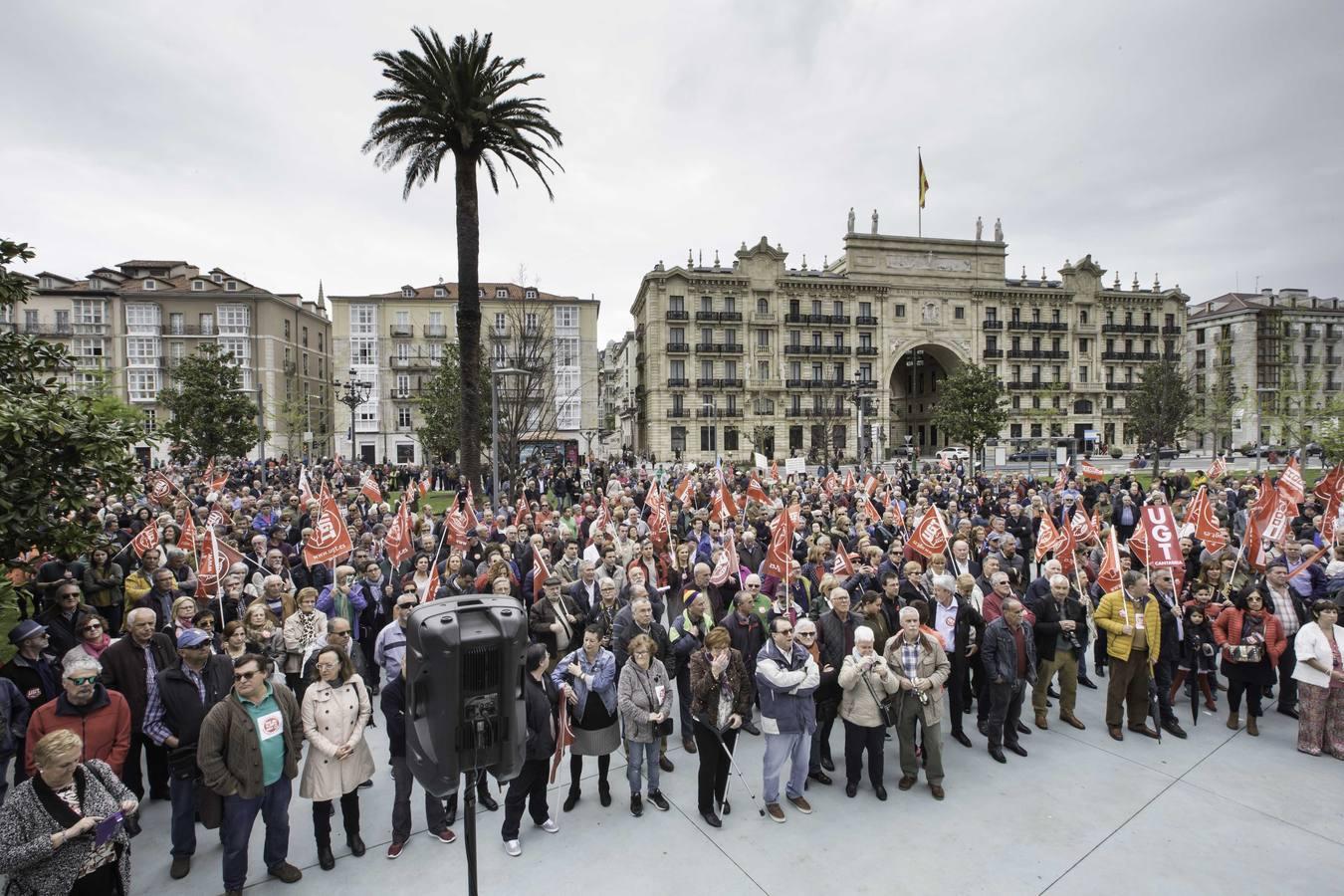 Manifestcaión en defensa de las pensiones en Santander