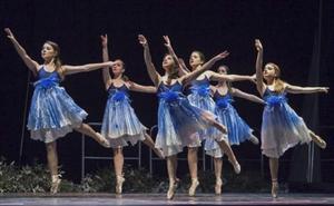 Más de 800 bailarines actúan en Santander en el séptimo Maratón de Danza