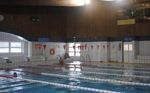 La piscina de Reinosa estrena iluminación
