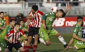 El Racing tendrá 19 jugadores con contrato si asciende a Segunda División