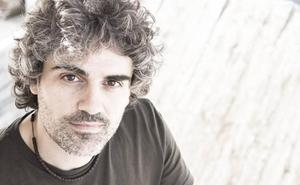 El cántabro Llorente publica su primer LP, 'Gente corriente'