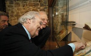 Josep Borrell y Gutiérrez Aragón ya son 'Beatos'