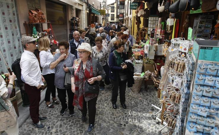 Ambientazo en Potes en el día previo al cierre de la Puerta del Perdón