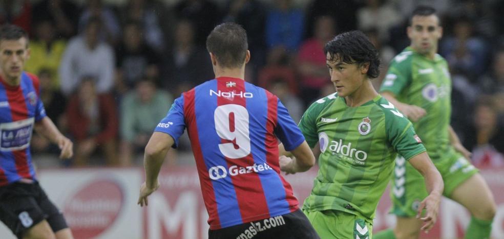 Carlos Pouso opta por Juan Gutiérrez en lugar de Mirapeix para la defensa