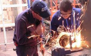 CCOO y UGT piden a Trabajo que medie para desbloquear el convenio del metal en Cantabria