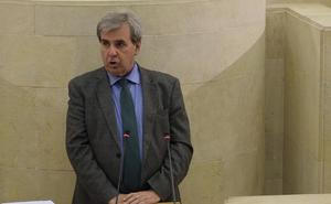 El Parlamento aprueba la ley de Casas de Cantabria con críticas de Podemos