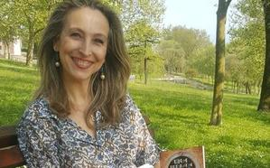 «Un escritor debe reflejar la sociedad en la que vive»