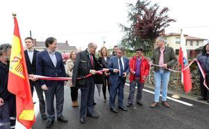 Inaugurada la carretera entre Ibio y Herrera, que evitará «muchos» accidentes ocurridos en este «punto negro»