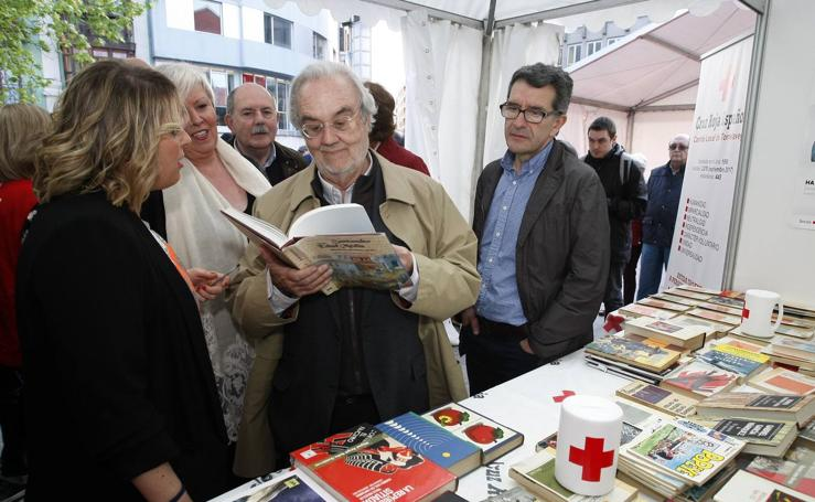 Gutiérrez Aragón, en la Feria del Libro de Torrelavega