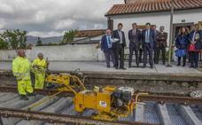 La nueva estación de tren de Guarnizo es «clave para el Puerto», según De la Serna