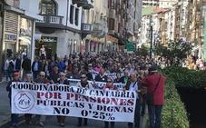 Los pensionistas muestran su indignación en Santander