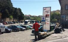 El PP de Santillana acusa al equipo de gobierno de «malvender los aparcamientos»