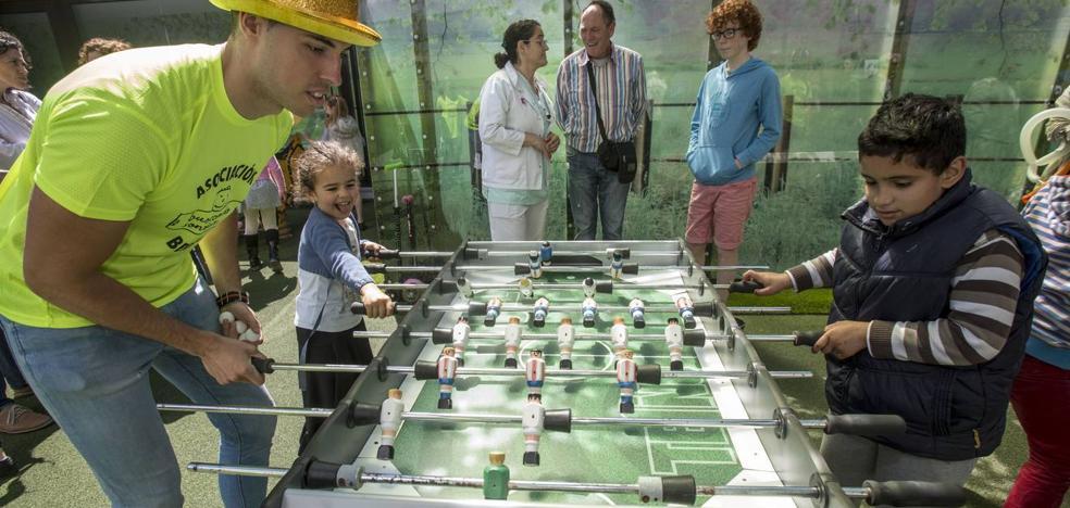 Resuelto el misterio del futbolín desaparecido del parque infantil de Valdecilla