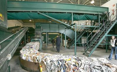 CCOO denuncia que la recicladora de Amica se niega a cambiar unos guantes a sus trabajadores