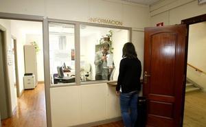 La apertura de la Oficina de Participación Social de Torrelavega acumula casi dos años de retraso