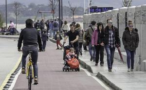 El Gobierno y Cantabria ConBici enseñarán a los ciudadanos a circular en bicicleta
