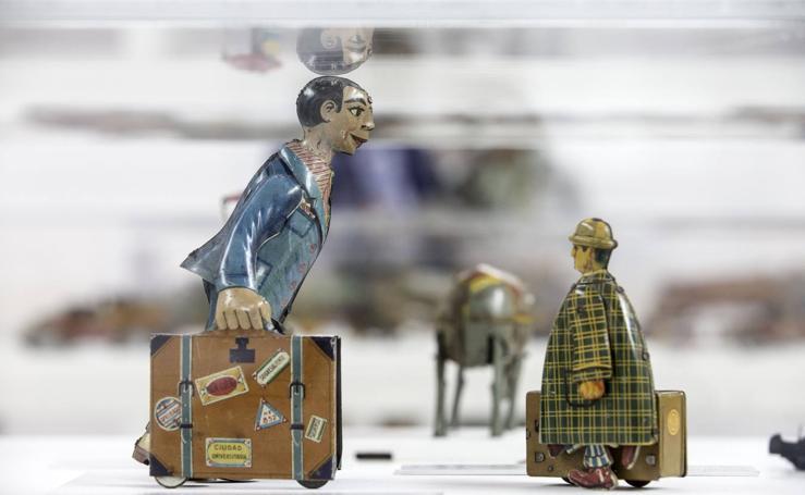 120 juguetes reflejan cien años de historia en Biblioteca Central