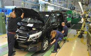 El salario en las grandes empresas crece la mitad que en los convenios colectivos pactados