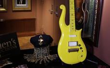 La guitarra amarilla de Prince, vendida por 190.000 euros