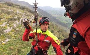 Evacúan en helicóptero a un hombre que se sintió indispuesto durante una ruta en Ucieda