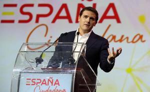 Rivera: «Ningún español volverá a pedir perdón por usar su bandera»