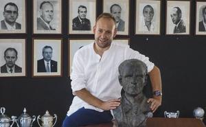 Tomás Bustamante: «La directiva pondrá los 115.000 euros»