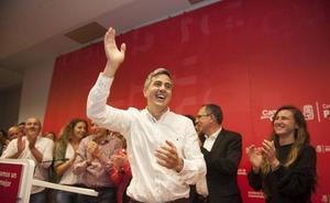 Zuloaga: «Hoy ya no queda nadie en el PSOE que no quiera remar en la misma dirección»