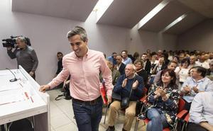 Pablo Zuloaga gana las primarias del PSOE en Cantabria
