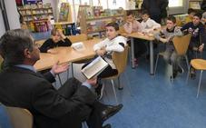 Los sindicatos docentes piden la mediación de Revilla en el conflicto escolar