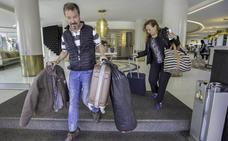 Los turistas anticipan las reservas de julio y los hoteles suben los precios