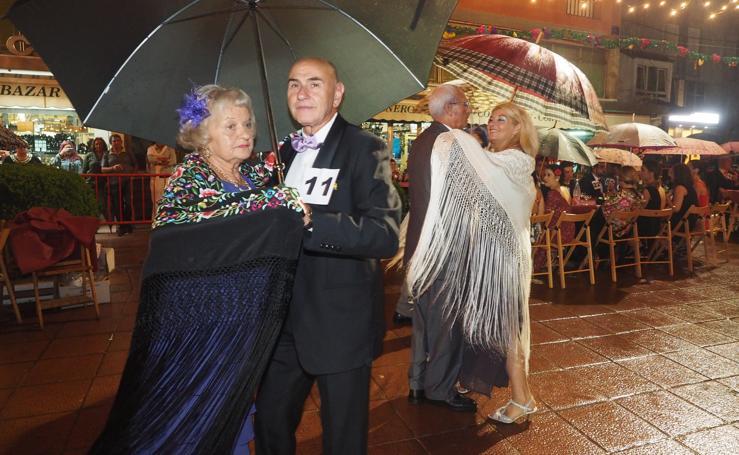 La Verbena del Mantón, elegante como siempre a pesar de los paraguas