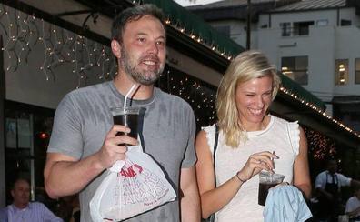 Ben Affleck ya tiene nueva novia: se llama Lindsay Hookus