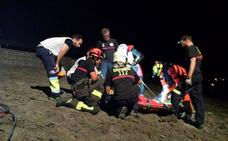 El 112 rescata a un joven encajado entre rocas al caer por un acantilado de Ajo