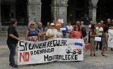 Vecinos de Sámano protestan contra el servicio a demanda del Castrobús
