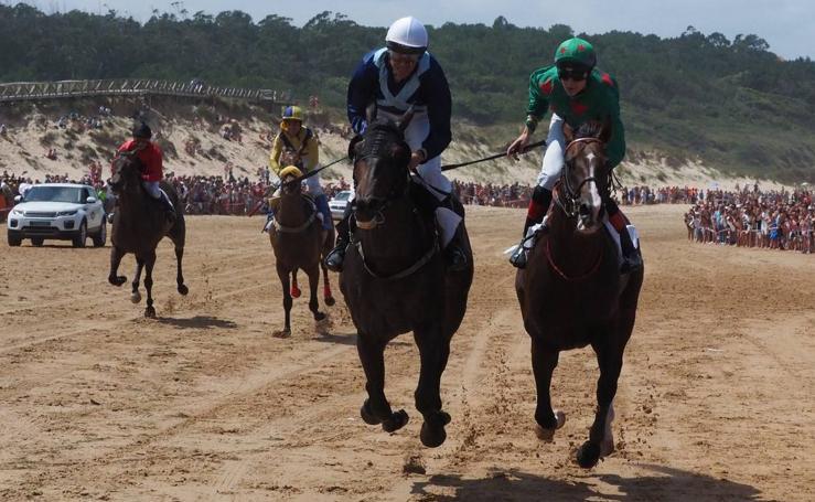 El Derby de Loredo en foto
