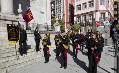 Desfile de cultura cántabra en la capital