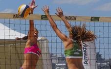 Los jóvenes pisan fuerte en la arena de Laredo