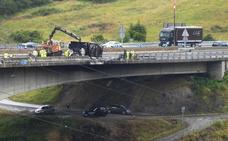 Carreteras reabre la autovía en Ontón tras veinte horas de atascos