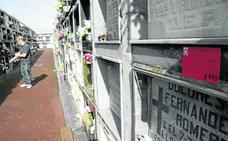 Castro da tres meses para renovar las concesiones de treinta sepulturas