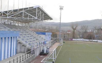 Gobierno colaborará en la mejora del campo de fútbol de Reinosa
