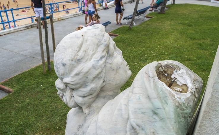 El monumento a González Linares sufre otro ataque